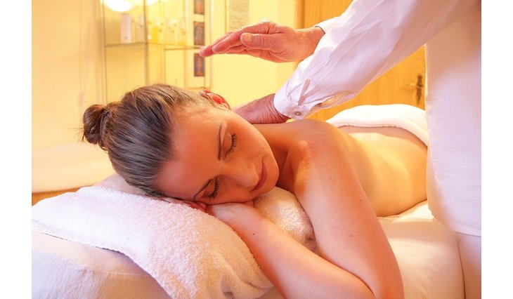 Massage cachemirien : quels bienfaits ?